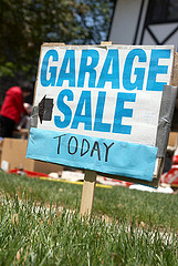 Sign for a garage sale