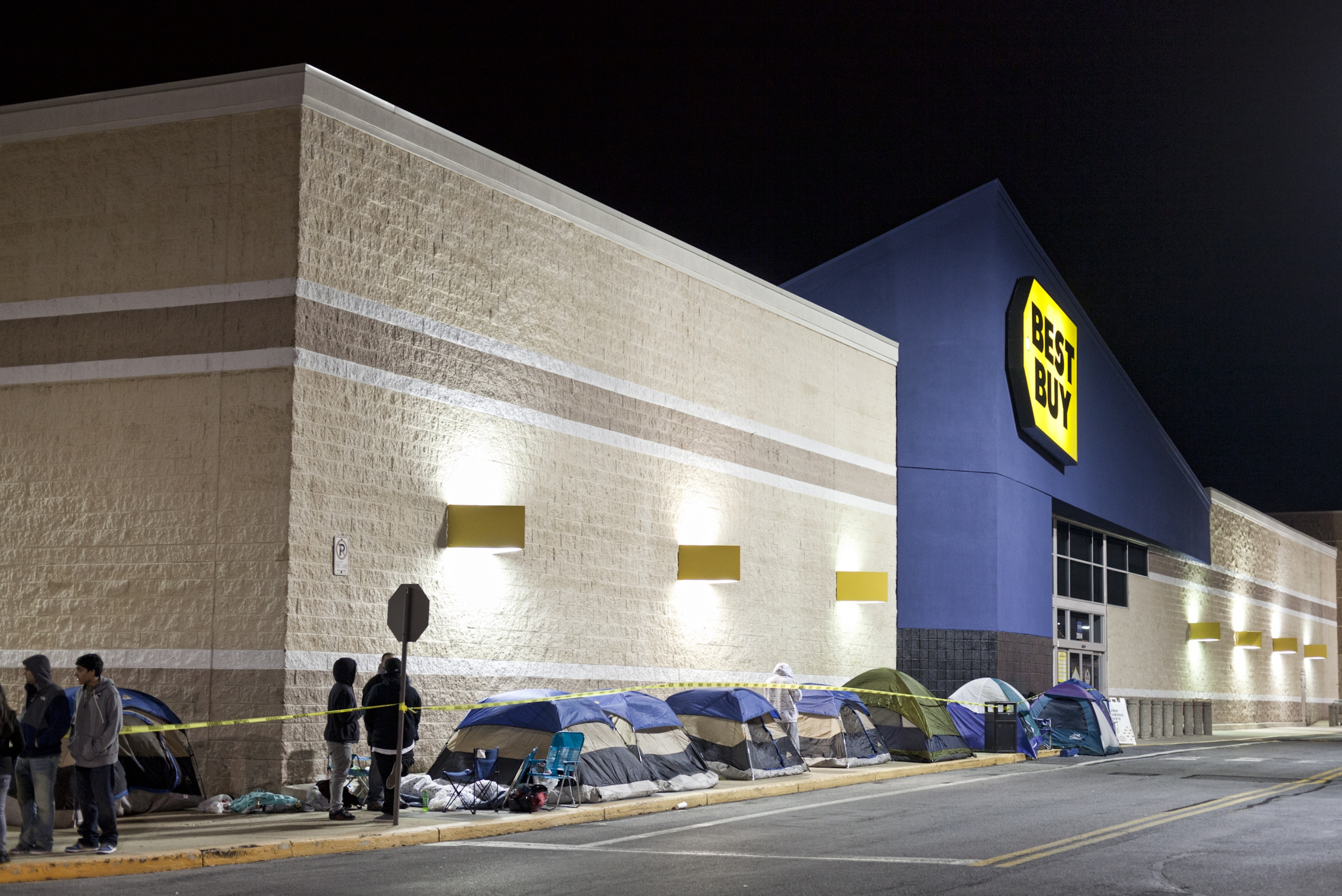 Camping In Line For Black Friday Shopping 11 Essential Supplies You Ll Need