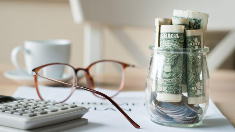 Savings Jar Retirement Investment Glasses Calculator