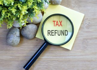 Tax Refund Magnifying Glass Post It