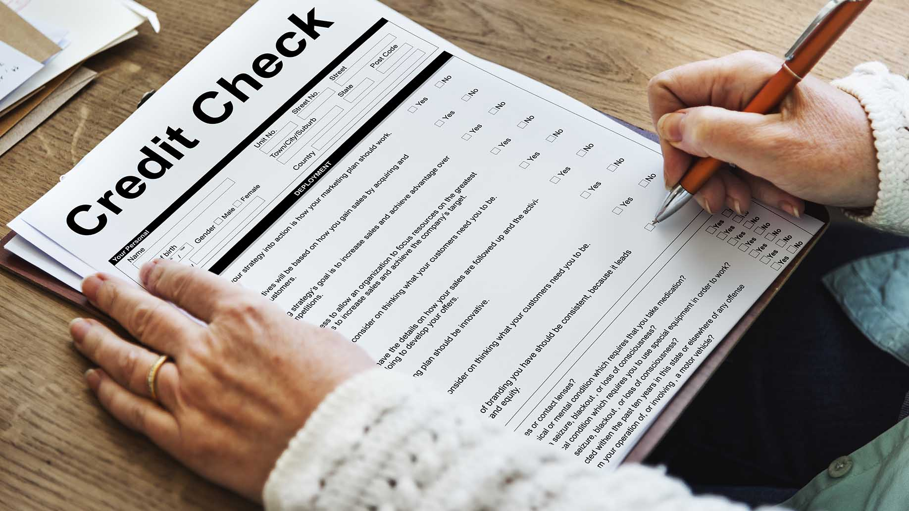 how to screen potential tenants questions credit background check
