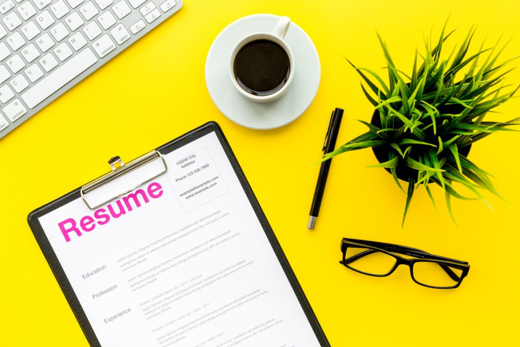 Resume Job Desk Applicant Review Yellow Desk Employment