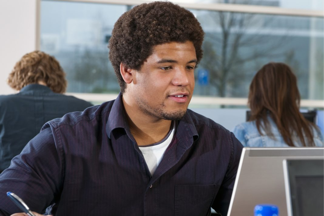 Should I Take Online College Classes? - Pros & Cons, Programs
