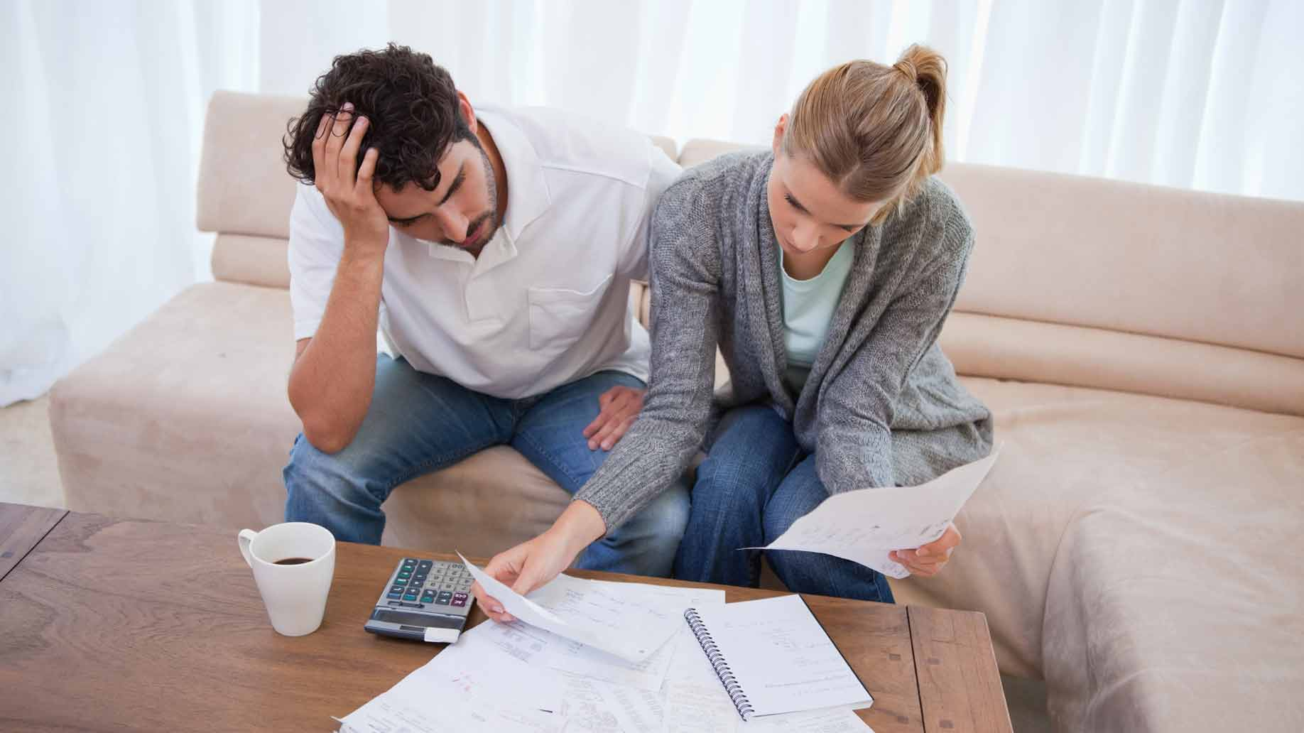 couple with money troubles