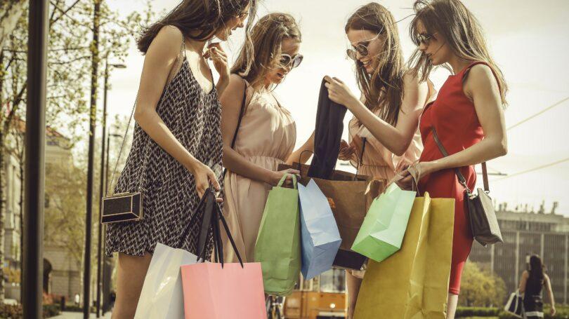 Women Total Spending