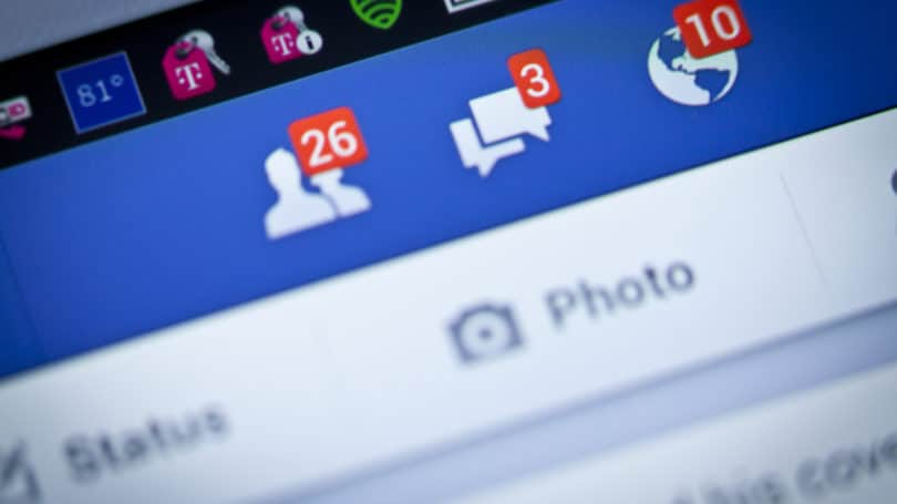 Facebook Chats Network Updates Alerts