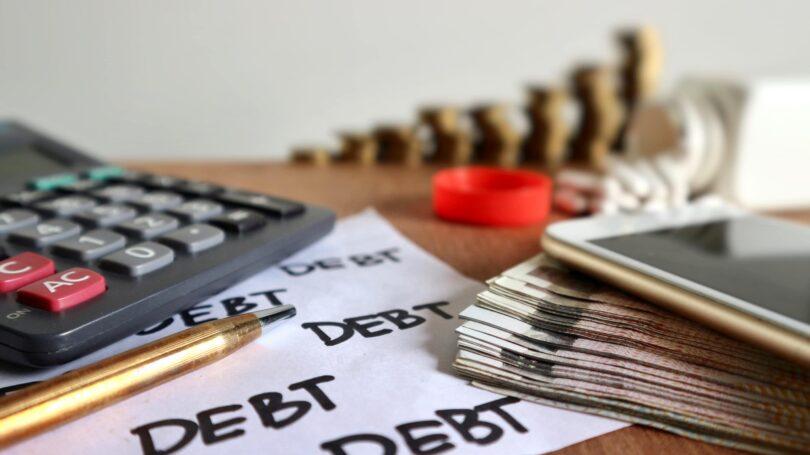 Calculate Debt Coins Pen