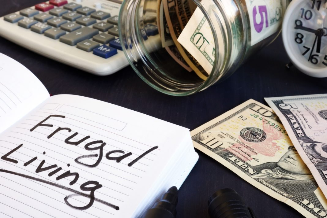 Frugal Living Notepad Dollars Jar Calculator