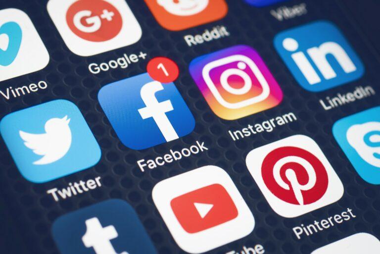 Social Media Facebook Instagram Twitter Linkedin Pinterest