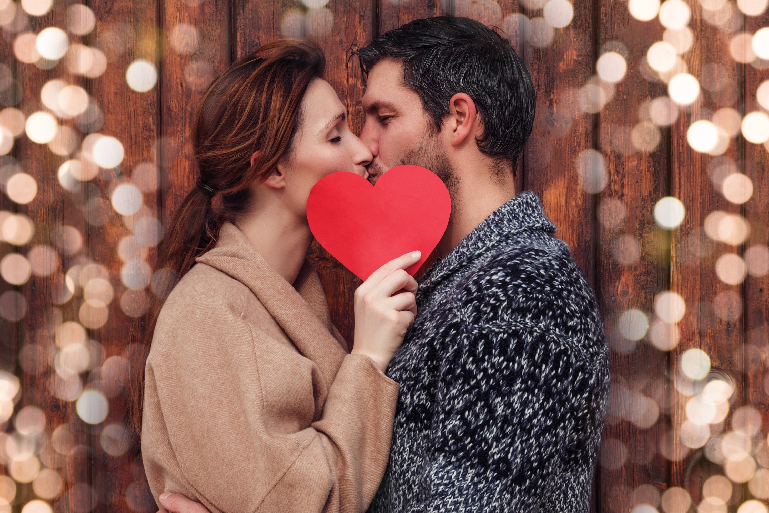 25 Creative Ideas for a Romantic Date Night at Home (on a