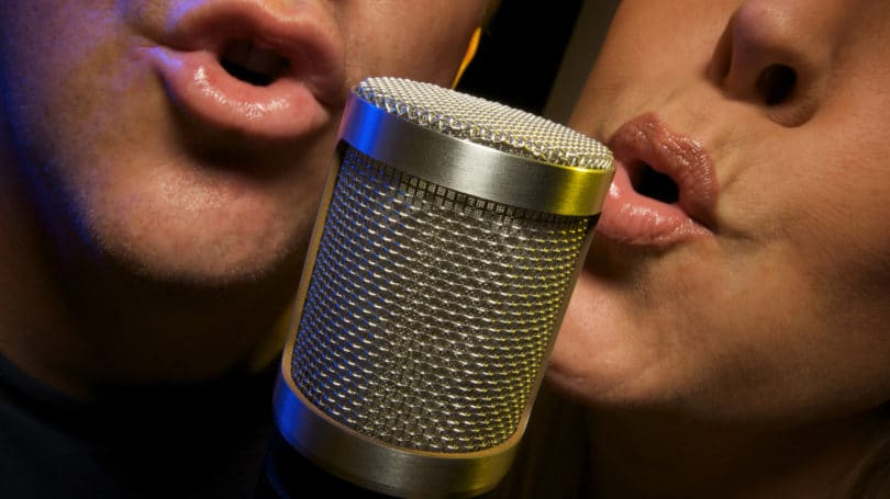 Karaoke Singing Couple Microphone