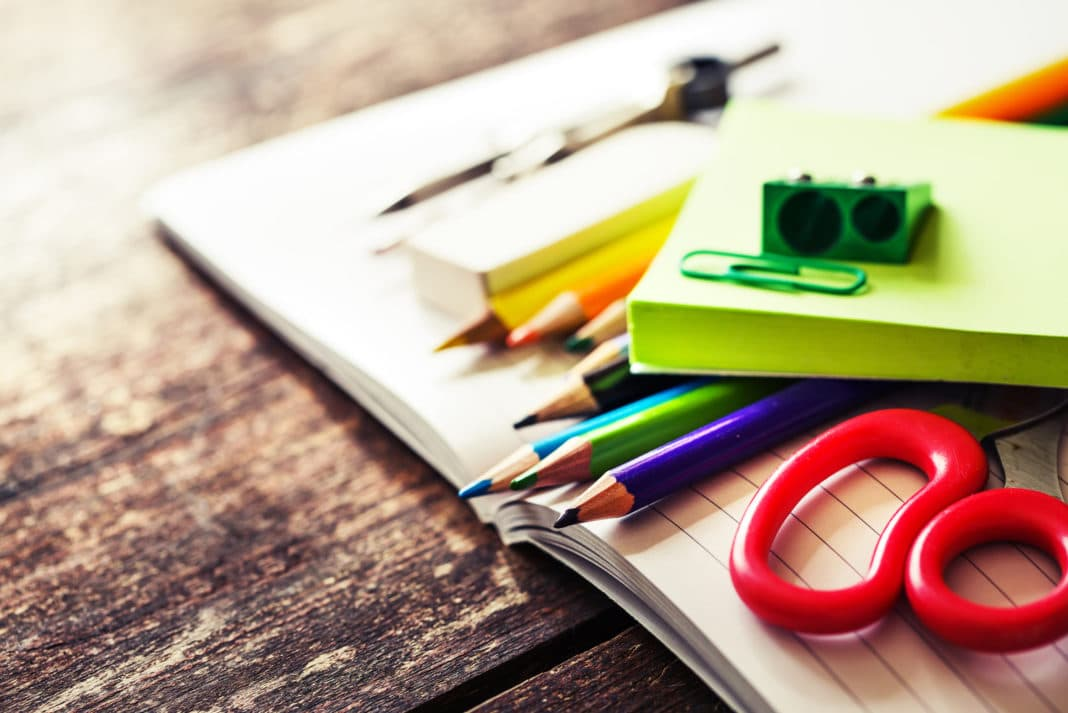 2b374eeabcbc91 16 Tips to Save Money on Back to School Supplies & Shopping List