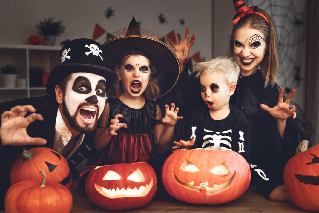 Halloween Costumes 2019 Adults.17 Ways To Save On Cheap Halloween Costumes For Kids Adults