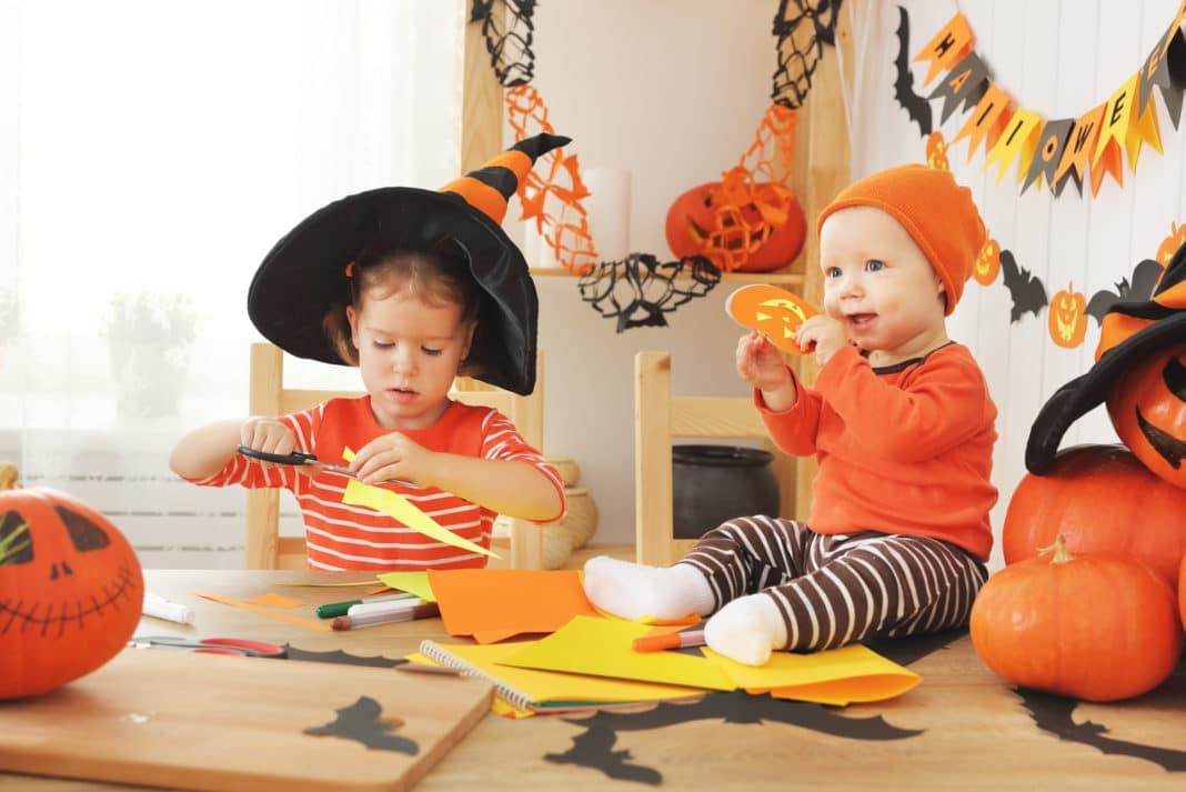 8 Unique Homemade Diy Halloween Costume Ideas For Kids Adults
