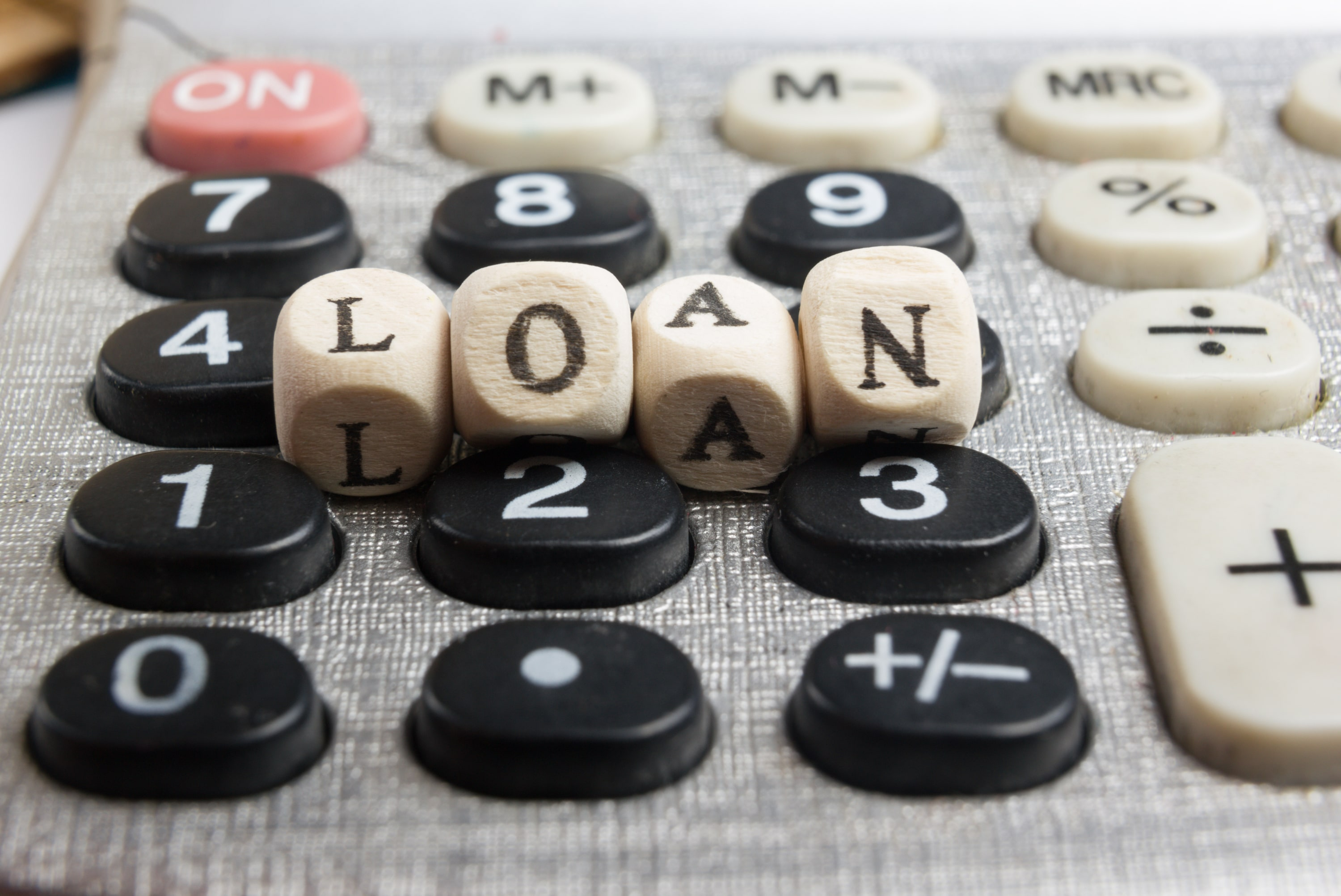 Consolidating vs. Refinancing Your Student Loans – Which Is Better?