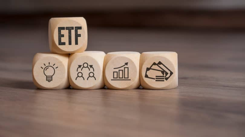 Etf Short Term Bond Dice Wooden