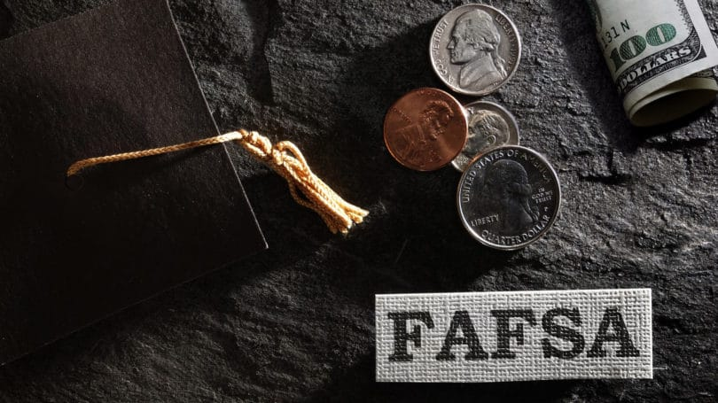 Fafsa Free Application For Student Aid Government Loan Cap Cash Coins
