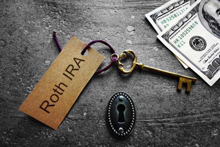 Roth Ira Keyhole Key Cash Retirement Investing