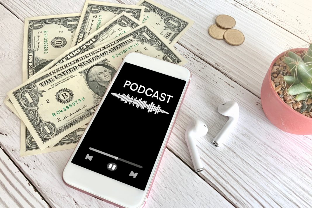Podcast Iphone Cash Money Airpods