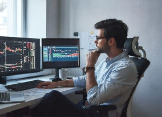 Man Day Trading Using Computer
