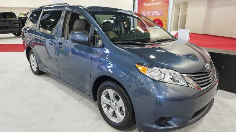 Blue Toyota Sienna Display